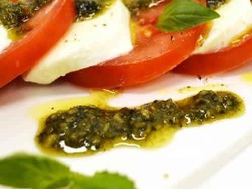 классический салат с моцареллой рецепт